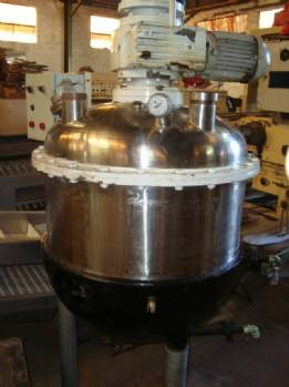 Stainless steel reactor capacity 200 litres jacketed