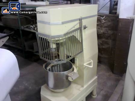 Industrial planetary mixer with capacity for 20 liters