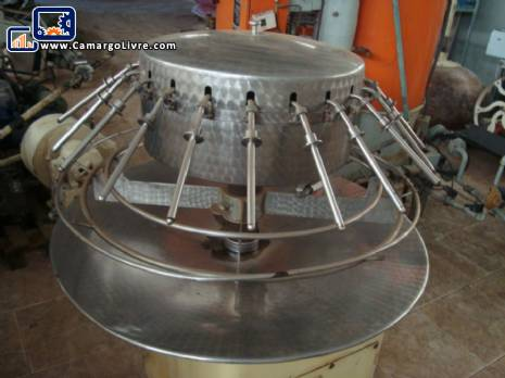 Rotary filling with 24 nozzles for syrups, beverages