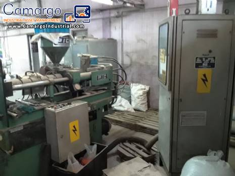 Injection molding machine PIC