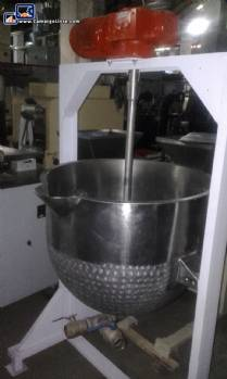 Fixed open stainless steel pan