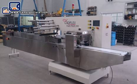Flow pack wrapping machine Codiflex