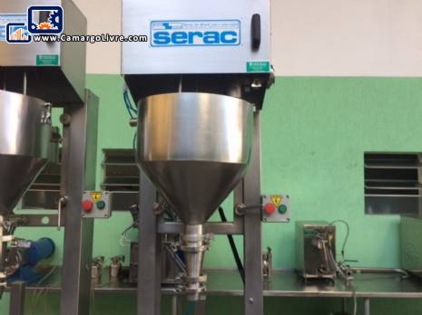 Semi-automatic liquid filling machine Serac