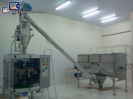 Line for mixing and packing with ribbon blender and packaging manufacturer Indumak