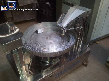 Vibratory weigher for solid products JHM