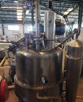 Vacuum cooker for hard candy